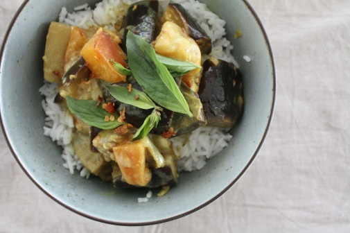 Auberginen-Pfirsich-Curry