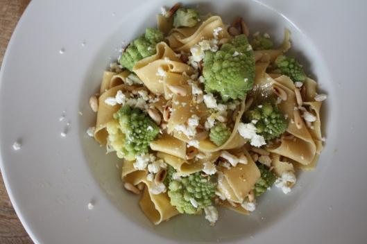 Foto1Kichererbsen-Pasta mit Romanesco und Feta I