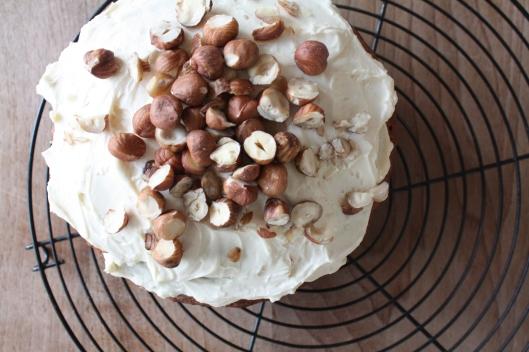 Haselnuss-Karotten-Kuchen II