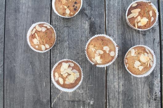 Muffins mit Rhabarber-Kompott I
