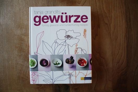 """Kochbuch """"Gewürze"""" - Kardamom konfierter Zander mit Grüntee und Pistazien Couscous I"""