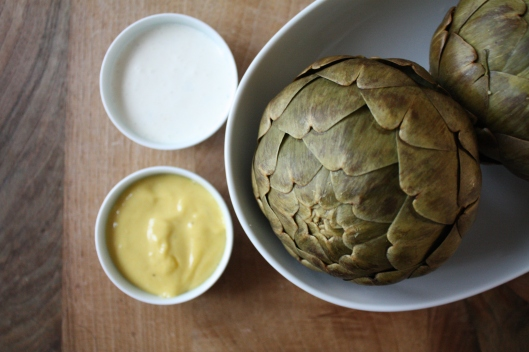 Artischocken mit Aioli & einem Zitronen-Oregano Dip III